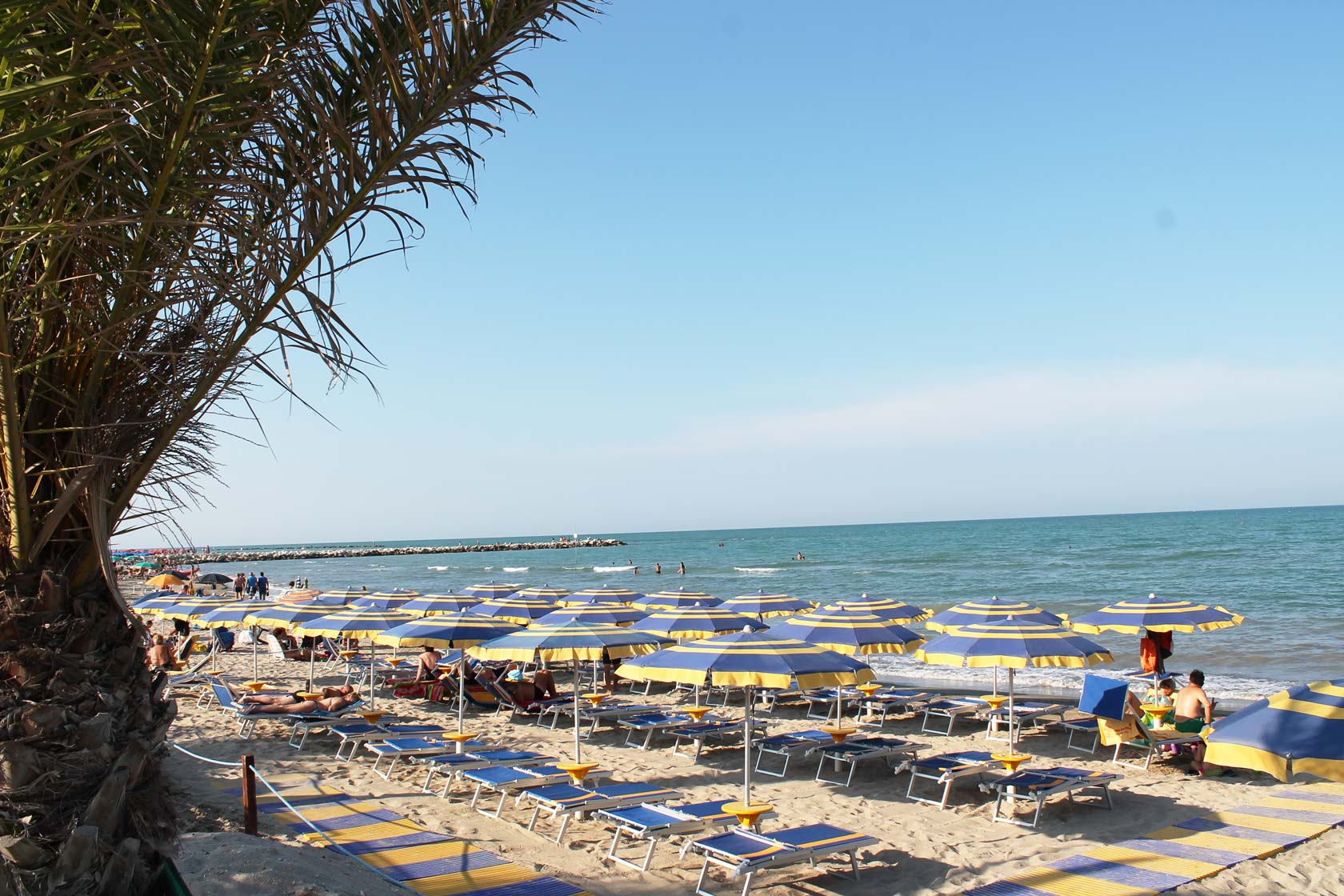 Hotel San Remo - The beach